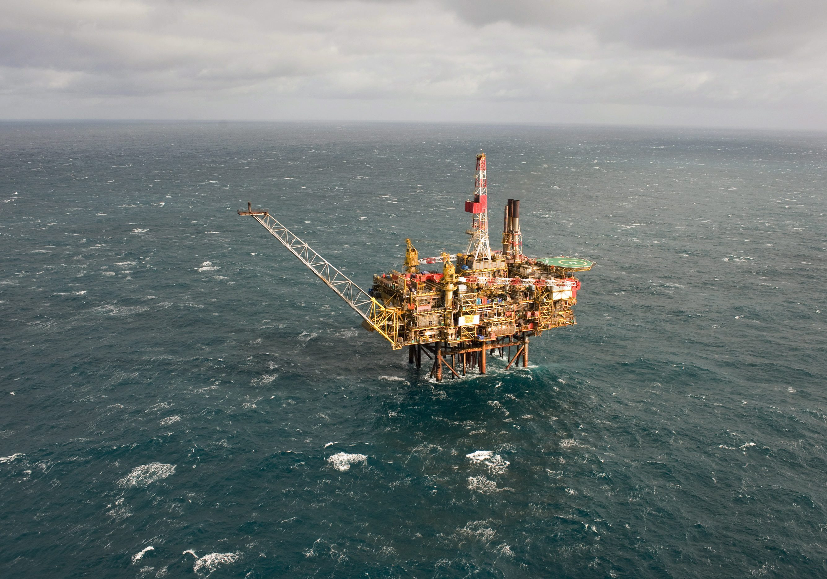 eu-approves-lukewarm-directive-offshore-drilling-rules IMG