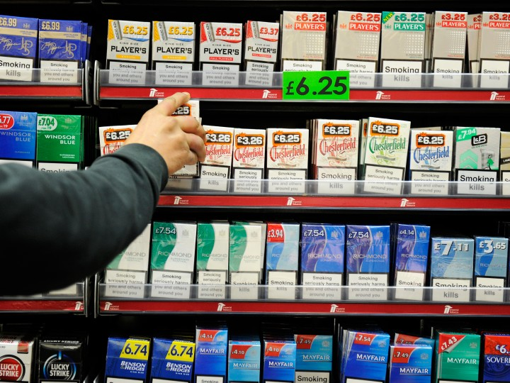 brits-back-plain-packaging-tobacco IMG