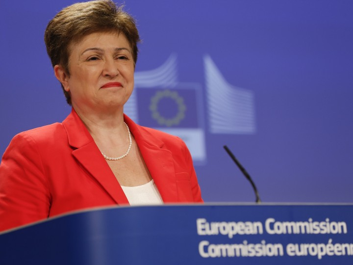 epa04781225 EU Commissioner in charge of Budget and Human Resources, Bulgarian, Kristalina Georgieva gives a press conference at the EU Commission headquarters in Brussels, Belgium, 03 June 2015. The EU Commission set out actions to take in response to the 'Stop Vivisection' European Citizens' Initiative (ECI) and whilst the Commission shares the conviction that animal testing should be phased out in Europe.  EPA/JULIEN WARNAND