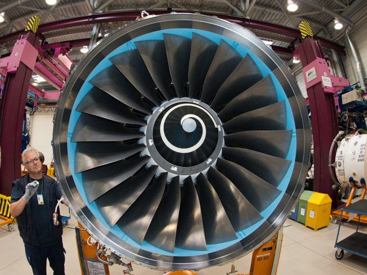 epa05138417 (FILE) A file photo dated 04 September 2013 showing a mechanic of the British aircraft engine manufacturer Rolls-Royce working on a plane engine in the factory in Dahlewitz, Germany. Airbus on 01 February 2016 said it had won a 2.7 billion USD order from Norwegian for Trent 1000 engines and TotalCare long-term service support for 19 new Boeing 787 Dreamliner aircraft. The order also includes TotalCare for Trent 1000 engines that will power 11 previously-announced leased Boeing 787s yet to enter service.  EPA/PATRICK PLEUL