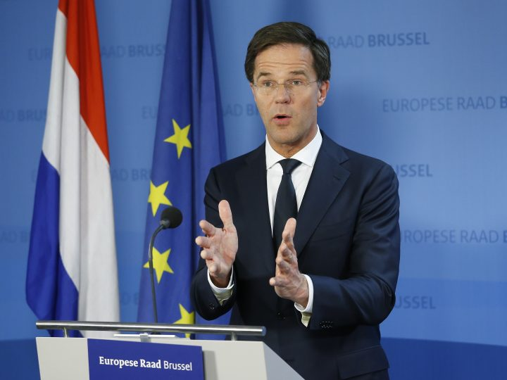 epa05677190 The Netherlands' Prime Minister Mark Rutte speaks during a news conference after the European summit in Brussels, Belgium, 15 December 2016. EU leaders were meeting for a one-day summit which will mainly focus on the implementation of the EU-Turkey agreement on migration and the EU Internal Security Strategy. The 27 leaders later the same day are scheduled to meet informally for a dinner to discuss the Brexit process.  EPA/JULIEN WARNAND