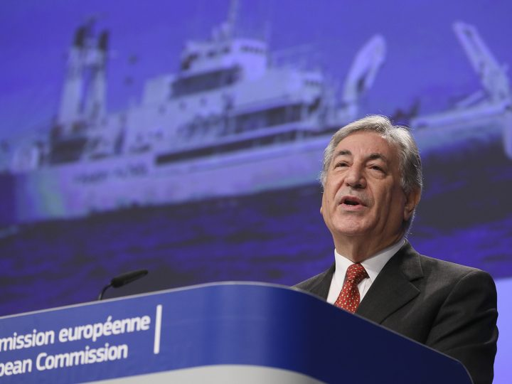 epa05625325 EU Commissioner for Environment,  Maritime Affairs and Fisheries Karmenu Vella gives a press briefing in Brussels, Belgium, 10 November 2016, on the adoption of the communication on ocean governance, head to UN Climate Conference COP22 in Marrakech.  EPA/OLIVIER HOSLET