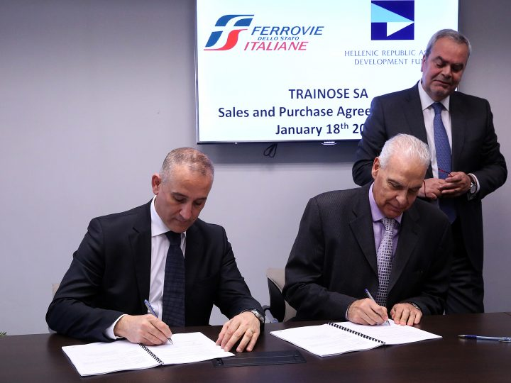 epa05727453 Chief Executive Officer of Hellenic Republic Asset Development Fund, Antonis Leousis (R) and Chief Executive Officer of Ferrovie Stato Italiane Group, Renato Mazzoncini sign an agreement for the sale of Greek national passenger and freight train operator Trainose to the Italian group, in Athens, Greece, 18 Janaury 2017. Ferrovie dello Stato Italiane purchased 100 percent of Trainose for 45 million euros. The completion of the transaction is subject to the competent EU authorities' approvals.  EPA/ORESTIS PANAGIOTOU
