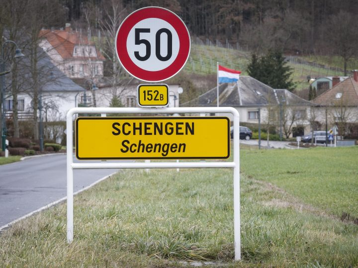 epa05138635 A view of a Schengen sign in the village of Schengen, Luxembourg, 01 February 2016. The town symbolizes the free movement of people and goods in 25 European countries under the Schengen Agreement signed in 1985 and 1990.  EPA/JULIEN WARNAND