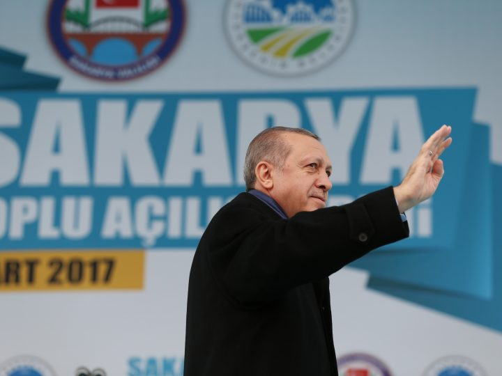 epa05852051 A handout photo made available by the Turkish President Press office shows Turkish President Recep Tayyip Erdogan waves to supporters during the opening ceremony for various facilities in Sakarya city, Turkey, 16 March 2017. In his address to the crowd, Erdogan commented on the outcomes of the Dutch general elections. Turkish politicians have sought to hold referendum campaign events in several countries abroad. A Turkish constitutional referendum is due to be held on 16 April 2017. Voters are to decide on whether to replace the parliamentary system with a presidential system that would give widespread powers to President Erdogan.  EPA/TURKISH PRESIDENT PRESS OFFICE HANDOUT  HANDOUT EDITORIAL USE ONLY/NO SALES