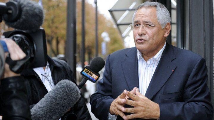 © Johanna Leguerre, AFP | Lawyer Robert Bourgi speaks to reporters on September 12, 2011 in Paris.