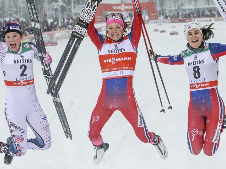 epaselect epa05171849 Second placed Jessica Diggins of USA (L), winner Maiken Caspersen Falla of Norway and third placed Heidi Weng of Norway (R) celebrate in the finish of the Ladies Sprint Final at the FIS Cross-Country skiing World Cup in Lahti, Finland, 20 February 2016.  EPA/PEKKA SIPOLA