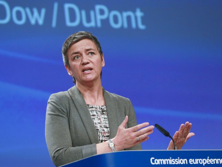 epa05873381 EU Commissioner for Competition, Danish, Margrethe Vestager addresses a press conference on mergers between Dow and DuPont in Brussels, Belgium, 27 March 2017. The European Commission has approved the proposed merger between US-based chemical companies Dow and DuPont under the EU Merger Regulation. The approval is conditional on the divestiture of major parts of DuPont's global pesticide business.  EPA/OLIVIER HOSLET