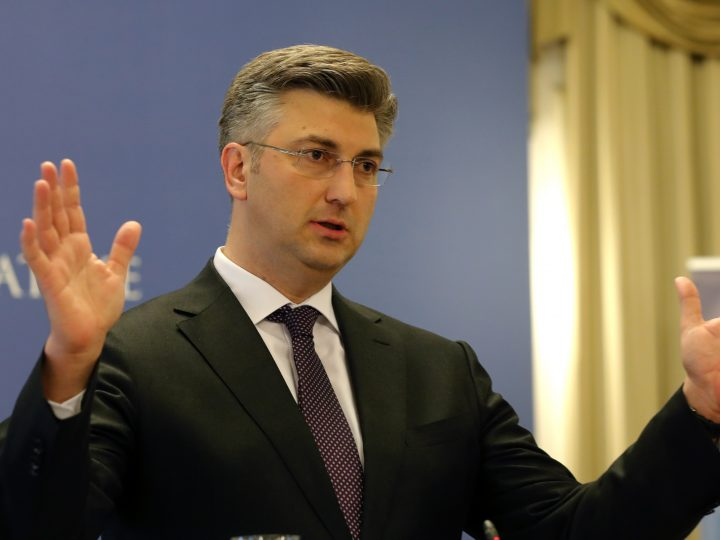 epa05930773 Croatian Prime Minister Andrej Plenkovic speaks during a press conference in Zagreb, Croatia, 27 April 2017. Reports state Plenkovic on 27 April dismissed three ministers from his coalition partner 'Most' (Bridge) party in a disagreement over the future of finance minister who the opposition are demanding his resignation.  EPA/ANTONIO BAT