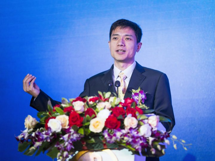epa04374949 Robin Li, Chairman and CEO of Baidu Inc., speaks at the launch ceremony of a joint venture of online-to-offline e-commerce in Shenzhen, Guangdong province, China, 29 August 2014. Li, together with Pony Ma, CEO of Tencent, and Wang Jianlin, Chairman of Wanda Group, the top three mainland China's richest men on the Forbes 2014 list, will put resources into the five billion yuan (814 million US dollar) new company controlled by Wanda for a big cut in the high-growth market.  EPA/PU MAN CHINA OUT
