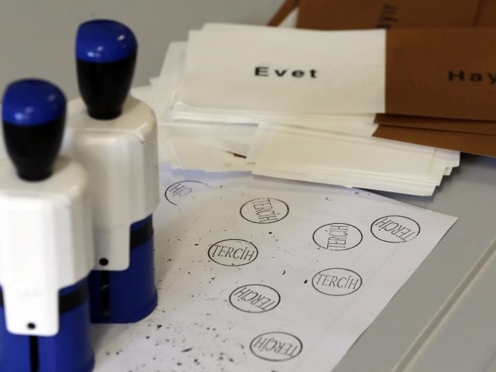 epa05910914 A seal reading 'Choice' (front) and ballot papers reading 'Yes/No' (back) at a polling station on the constitutional reform in Istanbul, Turkey, 16 April 2017. The proposed reform, passed by Turkish parliament on 21 January, would change the country's parliamentarian system of governance into a presidential one, which the opposition denounced as giving more power to Turkish president Recep Tayyip Erdogan.  EPA/CEM TURKEL