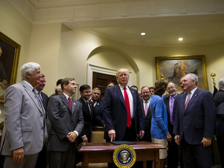 epa05933536 US President Donald J. Trump stands after signing an executive order in the Roosevelt Room at The White House in Washington, DC, USA,  28 April 2017.  The executive order would expand offshore drilling for oil and gas.  EPA/ERIC THAYER/ POOL