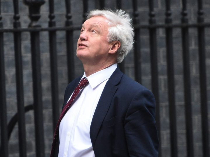 epa05714745 David Davies, British Secretary of State for exiting the European Union arrives at 10 Downing street London, Britain 13 January 2017. Theresa May will lay out her plans for Britain?s exit from the European Union, in a major speech on 17 January 2017.  EPA/FACUNDO ARRIZABALAGA