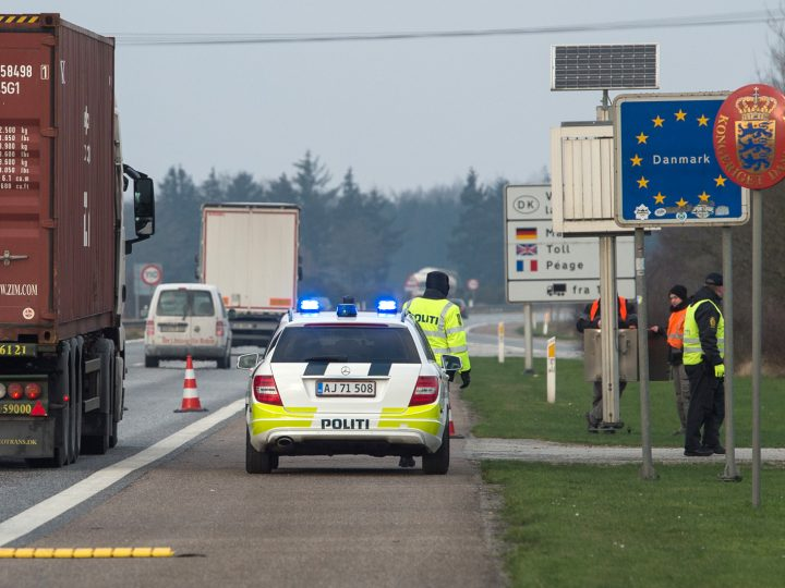 epa05087702 Danish police patrol the German-Danish border crossing Ellund, on motorway 7 near Flensburg, Germany, 04 January 2016. Denmark introduced temporary controls along its border with Germany, Danish Prime Minister Lars Lokke Rasmussen said, hours after Sweden introduced ID controls for travellers from Denmark. Since early September, 91,000 people have passed through Denmark from Germany, of whom 13,000 applied for asylum in Denmark.  EPA/BENJAMIN NOLTE