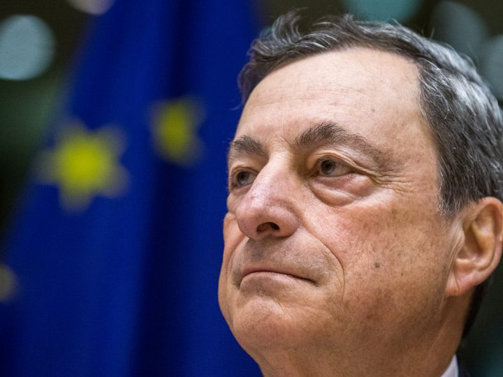 epa05997502 Mario Draghi, President of the European Central Bank (ECB) and Chair of the European Systemic Risk Board, attends a hearing of the European Parliament Committee on Economic and Monetary Affairs (ECON) in Brussels, Belgium, 29 May 2017. Daghi attends the hearing to present and discuss the ECB's perspective on economic and monetary developments.  EPA/STEPHANIE LECOCQ