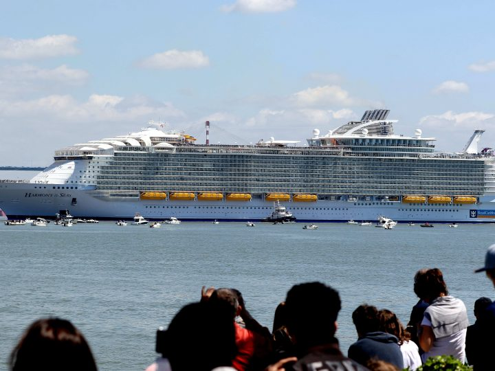 epa05308149 The cruise ship 'Harmony of the Seas' leaves the port of St. Nazaire, France, 15 May 2016. The Royal Caribbean Cruise Line ship built at the STX France shipyards in Saint-Nazaire is the world's largest cruise ship. It will dock in Southampton, Britain, before starting her first cruise in the coming days.  EPA/EDWARD BOONE