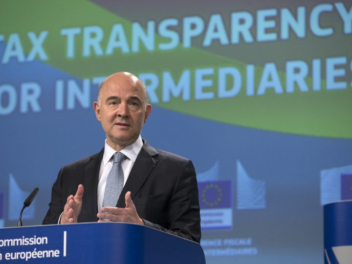 epa06040755 European commissioner in charge of Economic and Financial Affairs Pierre Moscovici gives a press conference to present  new transparency rules for tax intermediaries in Brussels, Belgium, 21 June 2017.  EPA/OLIVIER HOSLET