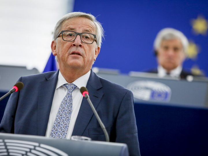 epa06201717 A handout photo made available by the European Parliament on 13 September 2017 shows European Commission President Jean-Claude Juncker chairing key debate on the State of the Union 2017 at the European Parliament in Strasbourg, France, 13 September 2017.  EPA-EFE/MATHIEU CUGNOT / EUROPEAN PARLIAMENT HANDOUT  HANDOUT EDITORIAL USE ONLY/NO SALES