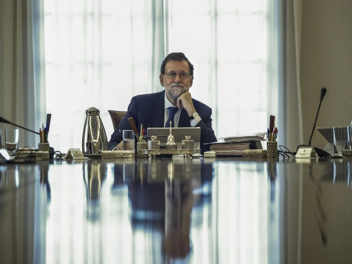 epa06189601 Spanish Prime Minister, Mariano Rajoy, is reflected on a polished surface during an extraordinary Cabinet meeting held at the Palace of La Moncloa, in Madrid, Spain, on 07 September 2017. The extraordinary Cabinet meeting was celebrated in order to analyse the Government's further steps following the approval of a referendum law on independece by the Catalonian Parliament that aims to set the path to hold a referendum on independece from the central Government on the upcoming 01 October 2017.  EPA-EFE/Emilio Naranjo