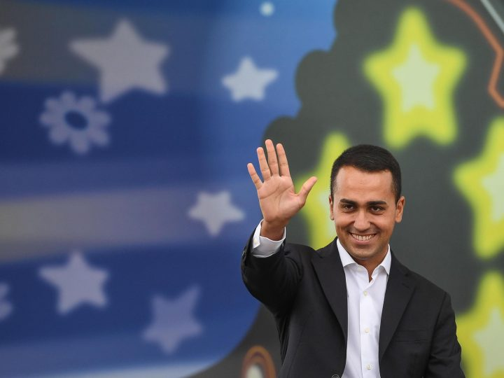 epa06223797 The new leader of the Italian 'Five Stars Movement' and newly elected candidate for Italian Prime Minister, Luigi Di Maio, speaks to a crowd during the 'Italia 5 Stelle' (Italy 5 Stars) event in Rimini, Italy, 24 September 2017. The Five Stars Movement meeting runs from 22 to 24 September 2017.  EPA-EFE/ALESSANDRO DI MEO