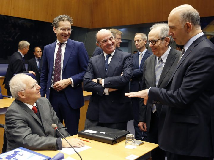 epa06254584 (L-R) German Finance Minister Wolfgang Schaeuble, President of Eurogroup and Dutch Finance Minister, Jeroen Dijsselbloem, Spanish Minister of Economy Luis de Guindos, Italian Minister of Economy and Finance Pietro Carlo Padoan and Pierre Moscovici, the European Commissioner for Economic and Financial Affairs, Taxation and Customs at the start of the Eurogroup meeting in Luxembourg, 09 October 2017. The Eurogroup will exchange views on the possible future roles and tasks of the European Stability Mechanism (ESM) in the context of the ongoing broader debate on the future of the Economic and Monetary Union.  EPA-EFE/JULIEN WARNAND