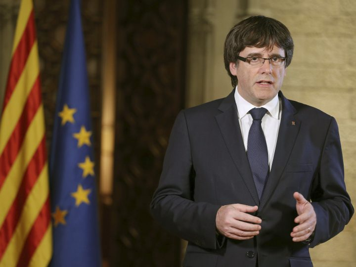 epa06281091 A handout photo made available by the Generalitat de Catalunya of Catalonian President Carles Puigdemont giving a statement in Barcelona, Spain, after the Extraordinary Cabinet Meeting, 21 October 2017. Spanish Prime Minister, Mariano Rajoy, explained the implementation of Article 155 of the Spanish Constitution and said the central Government will asume the competence to disolve the Catalan regional Parliament in order to call for elections in Catalonia. The Article 155 of Spain's constitution, allows the government to impose direct rule in a crisis on any of the country's semi-autonomous regions.  EPA-EFE/RUBEN MORENO GARCIA / GENERALITAT DE CATALUNYA / HANDOUT  HANDOUT EDITORIAL USE ONLY/NO SALES