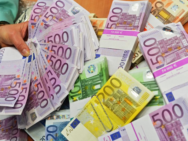 epa04660432 Euro banknotes secured at cash control during the balance sheet press conference for the Frankfurt Airport central customs office in Frankfurt am Main, Germany, 13 March 2015. Following the Washington Convention, the import and export of ivory is forbidden. In the past year, the Frankfurt central customs office took in a billion more euros than in the previous year. 4.15 billion euros were collected from tariffs, taxes, and duties in 2014.  EPA/ARNE DEDERT