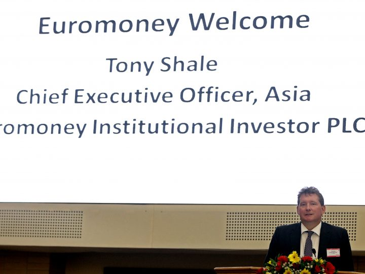 epa04402615 Tony Shale, CEO Asia, of Euromoney Institutional Investor talks during the Myanmar Global Investment Forum at the Myanmar International Convention Center Two in Naypyitaw, Myanmar, 16 September 2014. Over 800 international and local business leaders, policymakers, financiers and economists attend the Myanmar Global Investment Forum in Naypyitaw. Myanmar's quarterly trade deficit reached over 1.4 billion US dollar (1.08 billion euro), as the economy continues to open up to foreign investment. The country's main exports are agricultural and farm products, minerals, timber, industrial products and oil and gas. It relies heavily on imported machinery, consumer products, commodities and raw materials.  EPA/NYEIN CHAN NAING