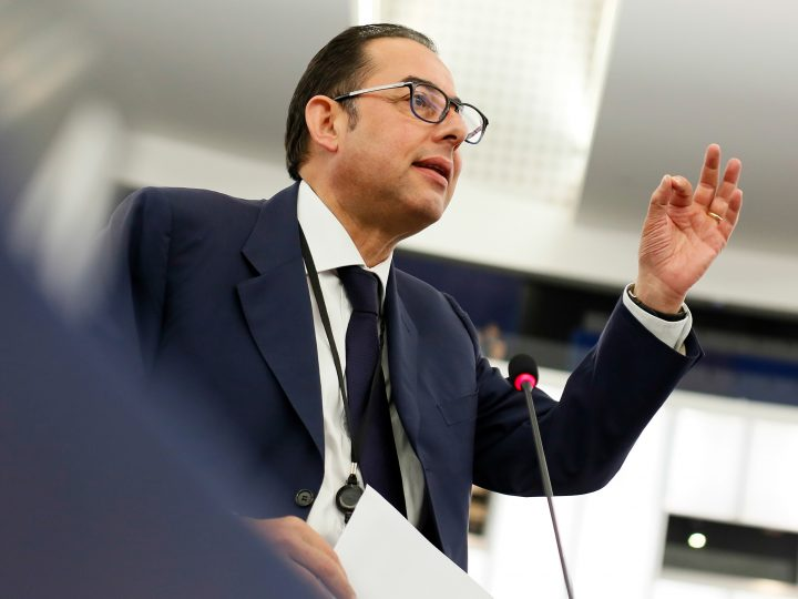 epa05350310 Gianni Pittella, chairman of the Progressive Alliance of Socialists and Democrats in the European Parliament, delivers his speech during a debate on migration at the European Parliament in Strasbourg, France, 07 June 2016.  EPA/MATHIEU CUGNOT