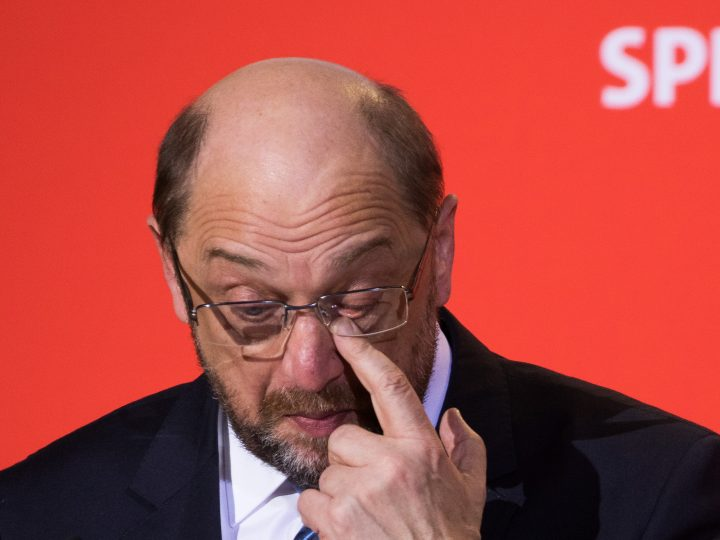 epa06503422 Leader of the Social Democratic Party (SPD) Martin Schulz gestures during a press conference at the SPD headquarters Willy-Brandt-Haus, in Berlin, Germany, 07 February 2018. Schulz announced his resignation from the party leadership, which is expected to be transferred to Andrea Nahles. Schulz confirmed that he wants to serve as the next German Foreign Minister after the new government will be established. After an overnight coalition negotiation session the leaders of the Christian Democratic Union of Germany (CDU), the Christian Social Union (CSU) from Bavaria and Social Democratic Party (SPD) formed the coalition of a new German government.  EPA-EFE/ALEXANDER BECHER