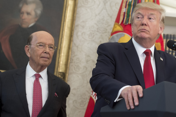21-wilbur-ross-and-trump.w710.h473