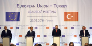 epa06631055 (L-R) Bulgarian Prime Minister Boyko Borissov , European Council President Donald Tusk, Turkish President Recep Tayyip Erdogan, and European Commission President Jean-Claude Juncker during the summit meeting between the leaders of the European Union and Turkey on at Evksinograd Residence in the town of Varna, Bulgaria on 26 March 2018.  EPA-EFE/VASSIL DONEV