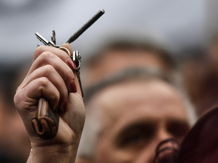 epa06608412 A woman rattles her keys as she participates in a rally called 'Let's stand for decency in Slovakia' in Bratislava, Slovakia, 16 March 2018. Mass street protests in Slovakia started after the murder of journalist Jan Kuciak and his fiance Martina Kusnirova. Protesters are asking for an independent investigation into the murders and new, trustworthy government that will not include people suspected of corruption  EPA-EFE/CHRISTIAN BRUNA