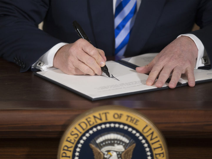 epa06720052 US President Donald J. Trump signs a presidential memorandum on Iran in the Diplomatic Reception Room of the White House in Washington, DC, USA, 08 May 2018. Trump announced plans to pull out of Iran nuclear deal. Trump announced that he will reimpose sanctions that had been waived under the Iran nuclear deal. Five nations including the United States worked out a deal with Iran in 2015 that withdrew sanctions.  EPA-EFE/MICHAEL REYNOLDS