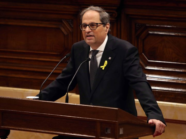 epa06735080 JxCat party?s nominee for regional President, Quim Torra, delivers his speech during the second and last investiture session at the regional Parliament in Barcelona, northeastern Spain, 14 May 2018. Catalan pro-independence anti-capitalist party CUP decided yesterday to facilitate the investiture of Torra, as it was agreed that four of it members will refrain from voting in today's investiture. Torra would only need simple majority to become Catalan regional President.  EPA-EFE/Toni Albir