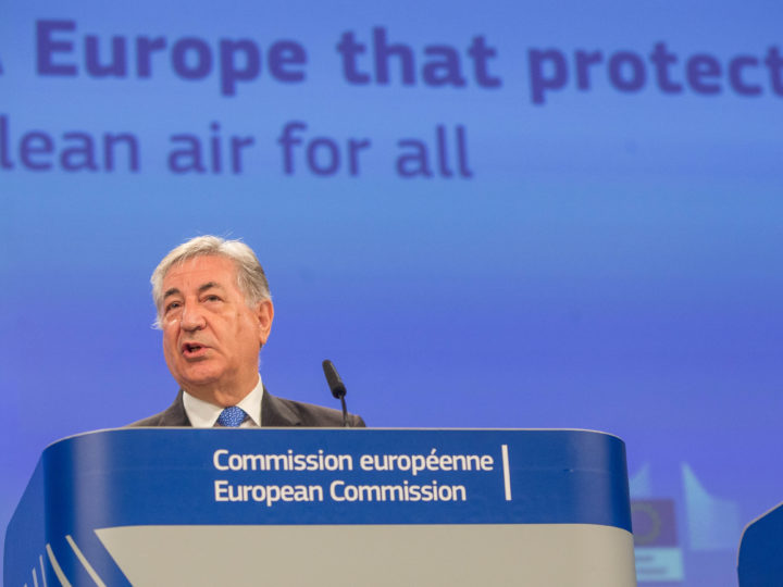 epa06744070 EU Commissioner for Environment Karmenu Vella gives a statement on action to improve air quality in Europe at the European Commission in Brussels, Belgium, 17 May 2018.  EPA-EFE/STEPHANIE LECOCQ