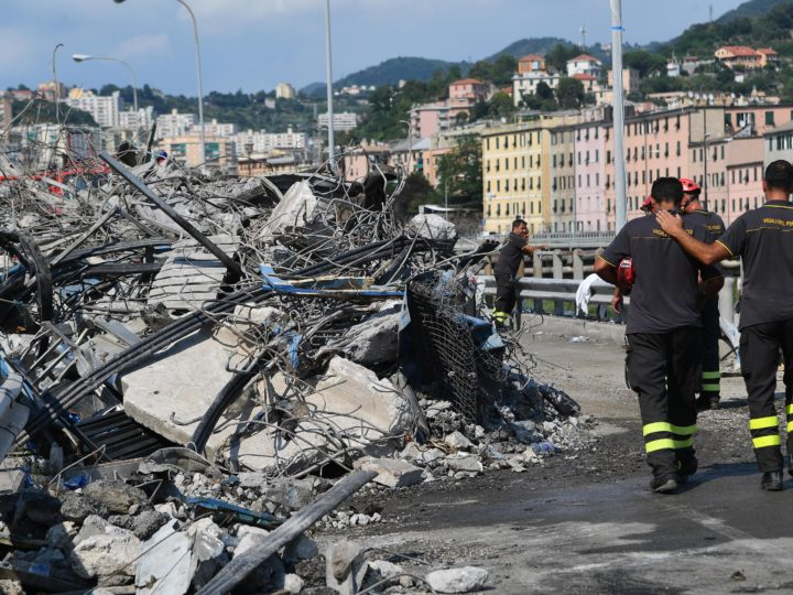 epa06954662 Firemen work at the site of the partially collapsed Morandi bridge in Genoa, Italy, 17 August 2018. Italian authorities, worried about the stability of remaining large sections of the bridge, evacuated about 630 people from nearby apartments.  EPA-EFE/LUCA ZENNARO
