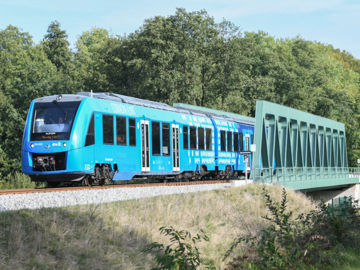 epa07024924 The world's first hydrogen fuel cell train on its way to Bremervoerde, northern Germany, 16 September 2018. Alstom today presented the world's first hydrogen fuel cell train Coradia iLinit in Bremervoerde. The Coradia iLint, built by Alstom in Salzgitter, Germany, is equipped with fuel cells which convert hydrogen and oxygen into electricity, thus eliminating pollutant emissions related to propulsion. From 17 September onwards, two such trains will enter commercial service according to a fixed timetable in Lower Saxony.  EPA-EFE/DAVID HECKER