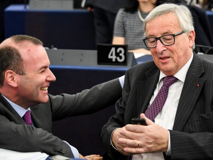 epa06674343 Jean-Claude Juncker (R), President of the European Commission, speaks with Chairman of the EPP Group in the European Parliament Manfred Weber (L), at the European Parliament in Strasbourg, France, 17 April 2018.  EPA-EFE/PATRICK SEEGER