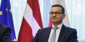 epa06847162 Polish Prime Minister Mateusz Morawiecki during a signing ceremony at the European Council summit in Brussels, Belgium, 28 June 2018. The signature ceremony is for the political roadmap on the synchronisation of the Baltic States' electricity networks with the continental European network (CEN) via Poland.  EPA-EFE/JULIEN WARNAND