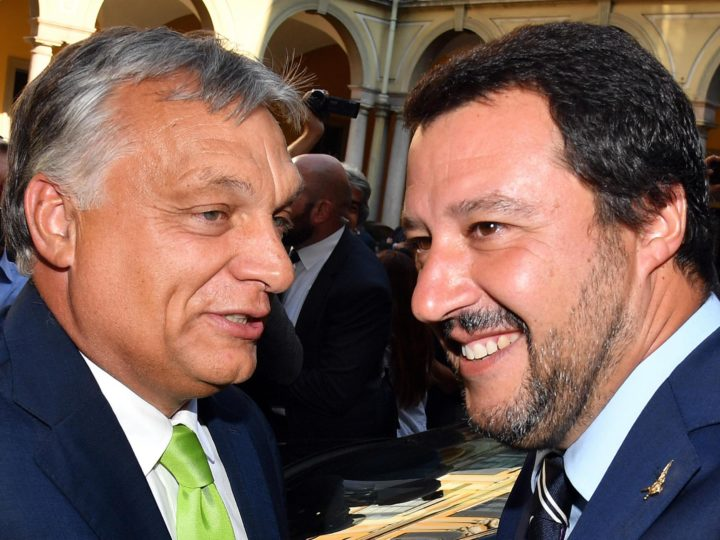 epa06978989 Italian Interior Minister Matteo Salvini (R) with Hungarian Prime Minister, Viktor Orban (L), during their meeting at the Prefecture of Milan, Italy, 28 August 2018.  EPA-EFE/DANIEL DAL ZENNARO