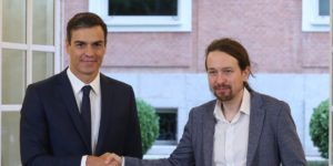 epa07084949 Spanish Prime Minister, Pedro Sanchez (L), shakes hands with the leader of Podemos, Pablo Iglesias, during the signing ceremony of an agreement for the 2019 Budget Law at the Palace of la Moncloa in Madrid, Spain, 11 October 2018. Sanchez's Government needs the support of Podemos, the Catalan pro-independence parties and the Basque Nationalist Party (PNV) in order to succeed in the approval of the 2019 General Budget in the Parliament, a needed step to avoid a political blockade that could force the Government to call for early elections.  EPA-EFE/Zipi