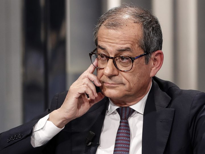 epa07116999 Italian Minister of Economy and Finance, Giovanni Tria, speaks during the Raiuno Italian program 'Porta a porta' conducted by Italian journalist Bruno Vespa, in Rome, Italy, 24 October 2018.  EPA-EFE/RICCARDO ANTIMIANI