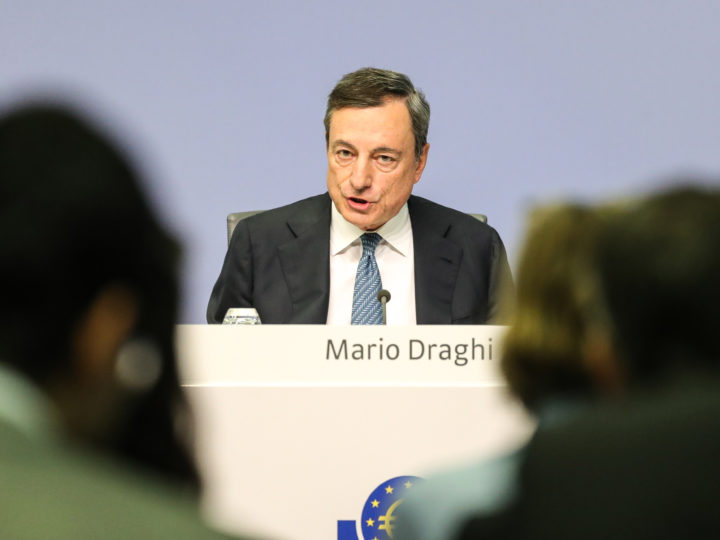 epa07118876 Mario Draghi, President of the European Central Bank (ECB), speaks during a press conference following the meeting of the Governing Council of the European Central Bank in Frankfurt Main, Germany, 25 October 2018. Draghi said that on the basis of current futures prices for oil, annual rates of headline inflation are likely to hover around the current level over the coming months. The European Central Bank has left interest rate policy on hold.  EPA-EFE/ARMANDO BABANI