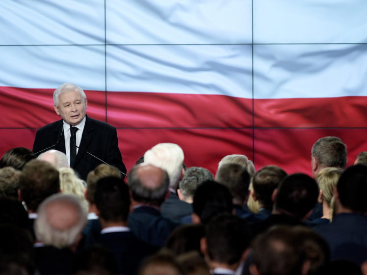 epa07110139 Leader of the Law and Justice (PiS) rulling party Jaroslaw Kaczynski speaks during an election evening in Warsaw, Poland, 21 October 2018. On Sunday Poles were casting their votes in the local elections, in which they elected councilors of all levels of local government, as well as mayors of villages, towns and cities.  EPA-EFE/Jakub Kaminski POLAND OUT