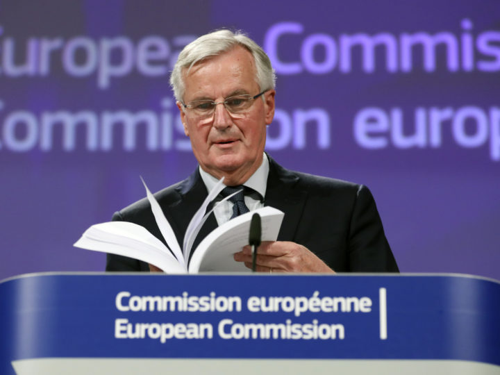 epaselect epa07165559 Michel Barnier, the European Chief Negotiator of the Task Force for the Preparation and Conduct of the Negotiations with the United Kingdom under Article 50 gives a press briefing at EU commission in Brussels, Belgium, 14 November 2018. The British cabinet has backed the draft Brexit withdrawal agreement.  EPA-EFE/OLIVIER HOSLET
