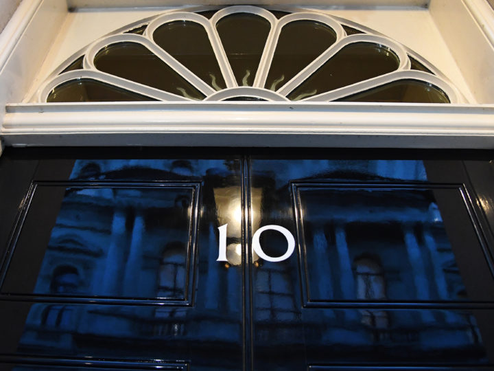 epa07293918 The door at number 10 Downing Street in London, Britain, 17 January 2019. British Prime Minister Theresa May is holding talks with cabinet and party leaders over Brexit.  EPA-EFE/ANDY RAIN