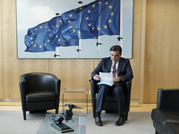 epa06787118 Spokesperson of the European Commission Margaritis Schinas prepares a speech ahead of the meeting of Erna Solberg, Prime Minister of Norway with European Commission President Jean-Claude Juncker in Brussels, Belgium, 05 June 2018.  EPA-EFE/OLIVIER HOSLET