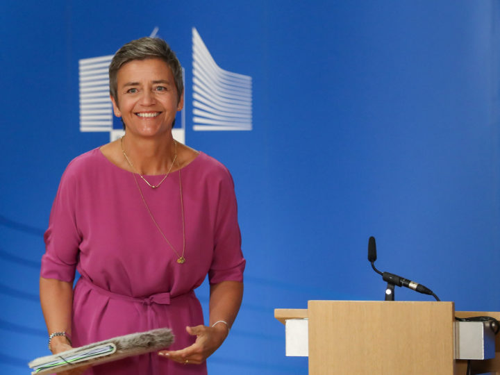 epa06907514 EU Commissioner for Competition Margrethe Vestager, from Denmark, arrives for a news conference on the concurrence case with electronics manufacturers Asus, Denon & Marantz, Philips and Pioneer at the European commission in Brussels, Belgium, 24 July 2018. The EU Commission fines the four consumer electronics manufacturers over 111 million euro for fixing online resale prices, they announced in a press release the same day.  EPA-EFE/STEPHANIE LECOCQ
