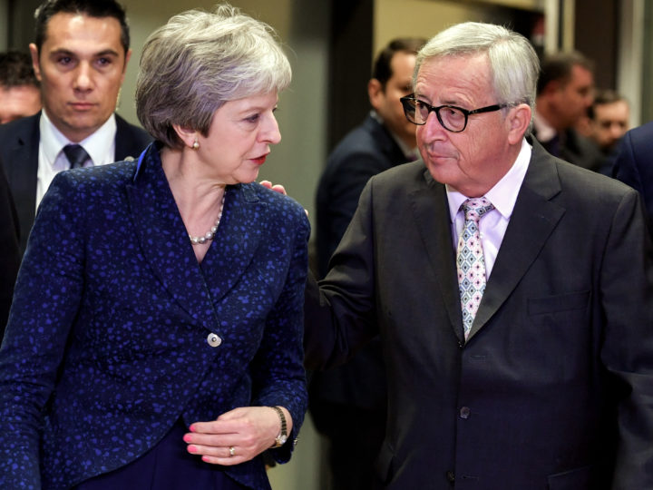 epaselect epa07187326 European Commission President Jean-Claude Juncker (R) welcomes British Prime Minister Theresa May (L) as they arrive for a special meeting of the European Council in Brussels, Belgium, 24 November 2018. The British Prime Minister and EU Commission president Juncker meet to discuss the future ties between the UK and the European Union, one day ahead of a special meeting of the European Council on Britain leaving the EU under Article 50, also dubbed the 'Brexit'. EU27 leaders will meet to endorse the draft Brexit withdrawal agreement and to approve the draft political declaration on future EU-UK relations on 25 November 2018, the European Council announced in its calendar.  EPA-EFE/SASCHA STEINBACH